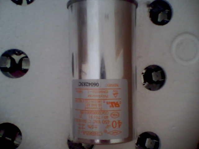产品价格:电议      正品空调电容器 质量可靠 美的 格力空调配套