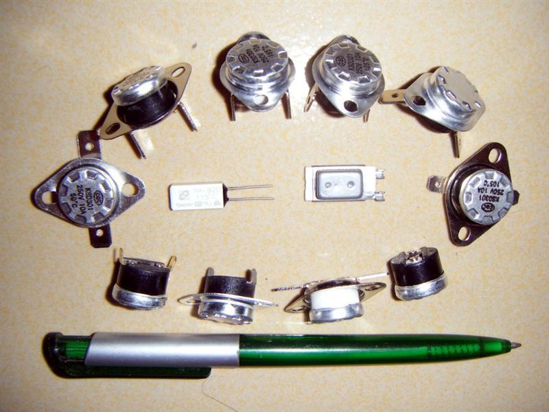电热水壶温度开关 热得快温度开关 陶瓷温控开关 电饼铛温控开关 东莞越彬电子厂 产品说明: 工程结构图: 技术参数: 1、电气参数:1)CQC AC250V 50~60Hz 5A / 10A / 15A(阻性负载) 2) AC125V 50Hz 15A(阻性负载) 2、动作温度范围:45~160(任选),温度精度:2 3 5 10 3、回复与动作温度差:8~100(任选) 4、接线方式:插端子250#(弯0~90可选);插端子187#(弯0~90可选,厚度0.