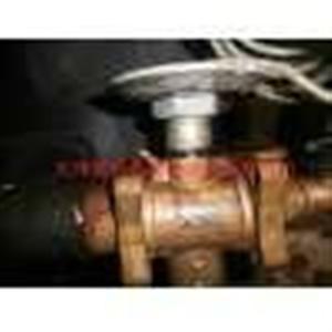 亚太中央空调机组热力膨胀阀维修