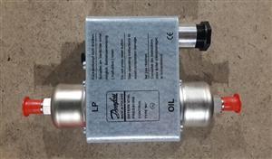丹佛斯控制器034L0049   、油压差060B0169