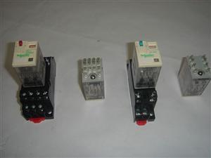 中间继电器RXM4AB1MD