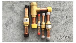 三花活塞式单向阀空调热泵单向阀直角型22mm