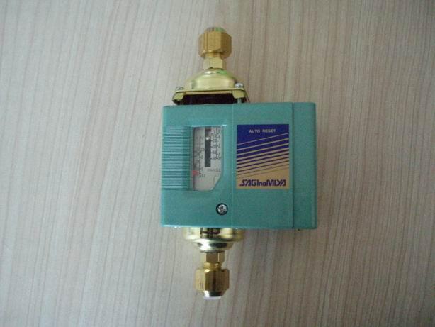 日本鹭宫压差可调式压力控制器