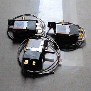 三插线温控器