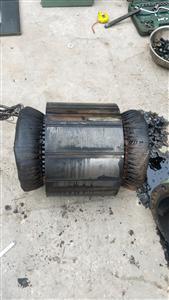 汉钟螺杆压缩机电机维修