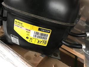 丹佛斯NL7CLX压缩机  R404制冷剂